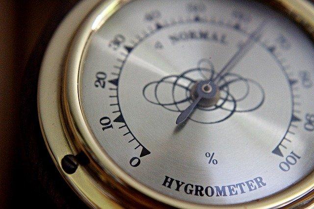 Old Hygrometer Gold Steampunk  - rschaller98 / Pixabay